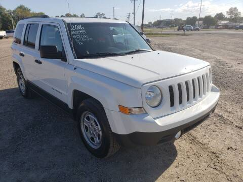 2016 Jeep Patriot for sale at CAR CORNER in Van Buren AR