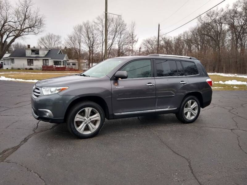 2013 Toyota Highlander for sale at Depue Auto Sales Inc in Paw Paw MI