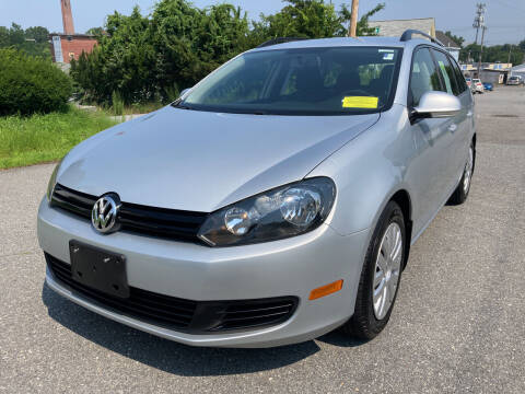 2013 Volkswagen Jetta for sale at D'Ambroise Auto Sales in Lowell MA