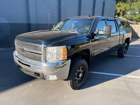 2007 Chevrolet Silverado 2500HD for sale at APX Auto Brokers in Lynnwood WA