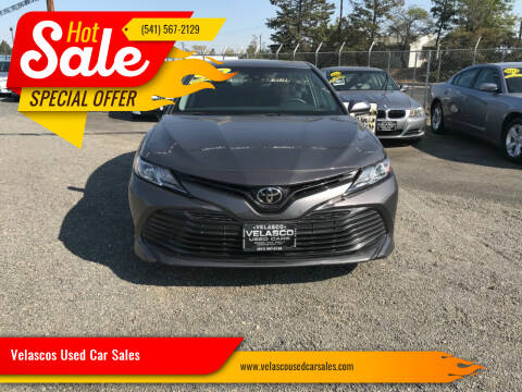 2018 Toyota Camry for sale at Velascos Used Car Sales in Hermiston OR