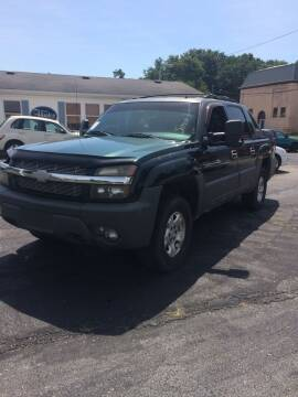 2002 Chevrolet Avalanche for sale at Mike Hunter Auto Sales in Terre Haute IN
