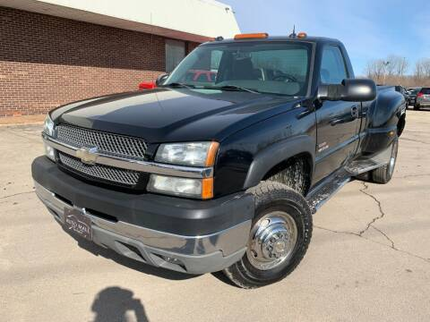 2004 Chevrolet Silverado 3500 for sale at Auto Mall of Springfield in Springfield IL