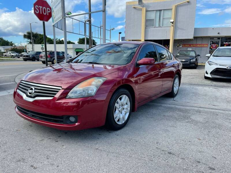 2009 Nissan Altima for sale at Global Auto Sales USA in Miami FL