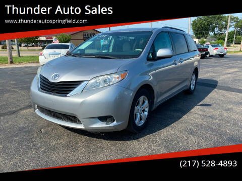 2012 Toyota Sienna for sale at Thunder Auto Sales in Springfield IL