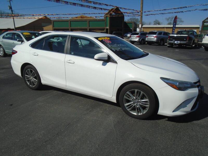 2015 Toyota Camry for sale at River City Auto Sales in Cottage Hills IL