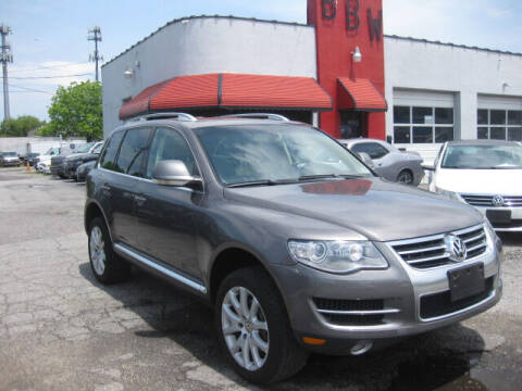2008 Volkswagen Touareg 2 for sale at Best Buy Wheels in Virginia Beach VA