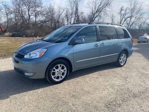 2004 Toyota Sienna for sale at BARKLAGE MOTOR SALES in Eldon MO