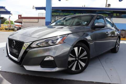 2021 Nissan Altima for sale at OCEAN AUTO SALES in Miami FL