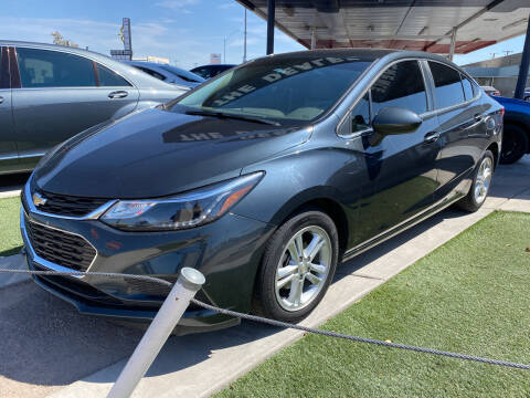 2018 Chevrolet Cruze for sale at DESANTIAGO AUTO SALES in Yuma AZ
