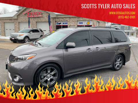 2017 Toyota Sienna for sale at Scotts Tyler Auto Sales in Wilmington IL