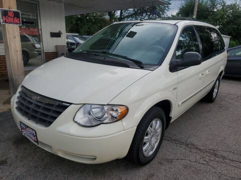 2007 Chrysler Town and Country for sale at New Wheels in Glendale Heights IL