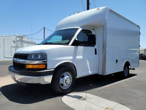 2015 Chevrolet Express Cutaway for sale at AZ WORK TRUCKS AND VANS in Mesa AZ