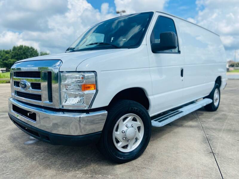 2013 Ford E-Series Cargo for sale at AUTO DIRECT Bellaire in Houston TX
