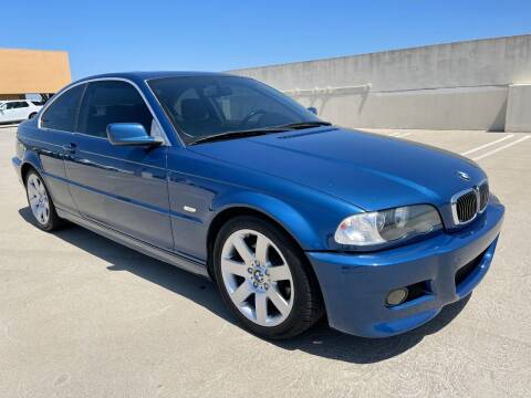 2002 BMW 3 Series for sale at AVAZI AUTO GROUP LLC in Gaithersburg MD