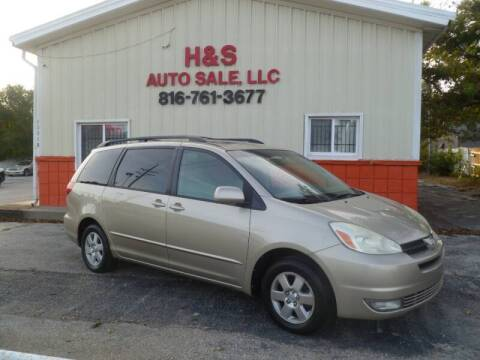 2004 Toyota Sienna for sale at H & S Auto Sale LLC in Grandview MO
