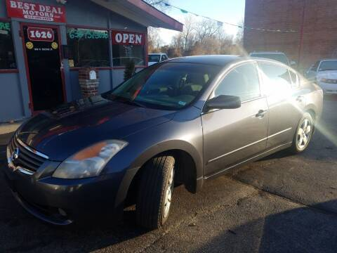 2008 Nissan Altima for sale at Best Deal Motors in Saint Charles MO