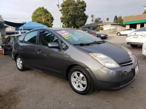 2006 Toyota Prius for sale at LR AUTO INC in Santa Ana CA