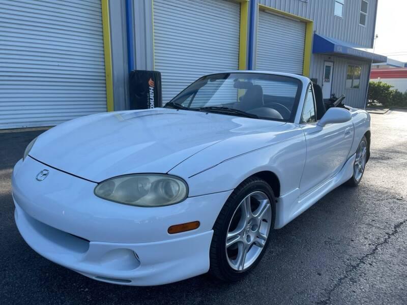 2004 Mazda MX-5 Miata for sale at RoMicco Cars and Trucks in Tampa FL
