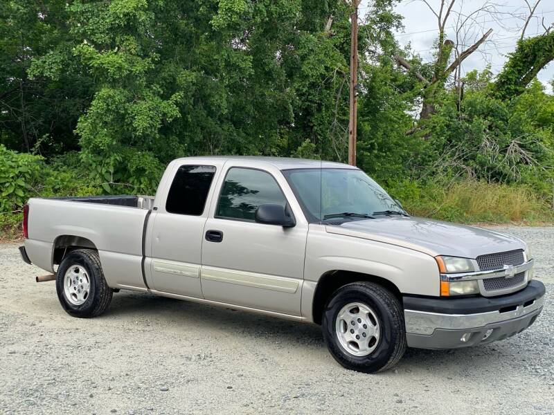 2004 Chevrolet Silverado 1500 for sale at Charlie's Used Cars in Thomasville NC