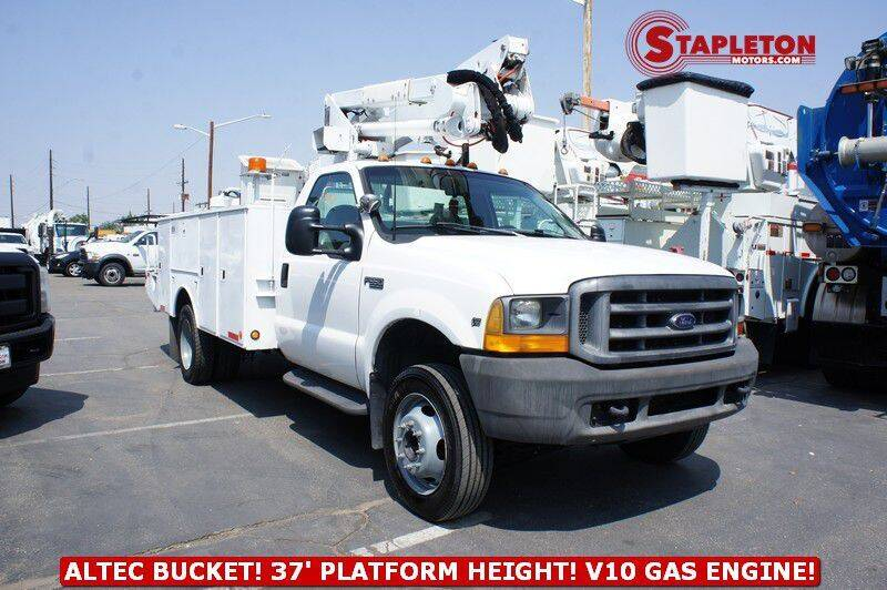 1999 Ford F-550 Super Duty for sale at STAPLETON MOTORS in Commerce City CO