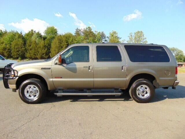 2004 Ford Excursion for sale at E & M AUTO SALES in Locust Grove VA