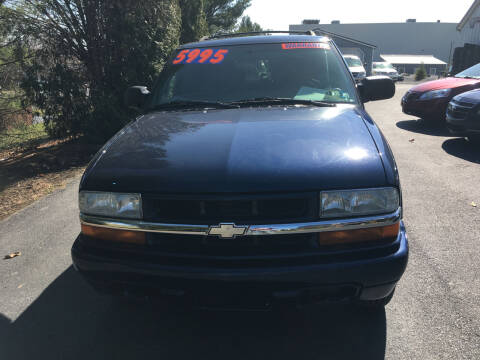 2004 Chevrolet Blazer for sale at BIRD'S AUTOMOTIVE & CUSTOMS in Ephrata PA