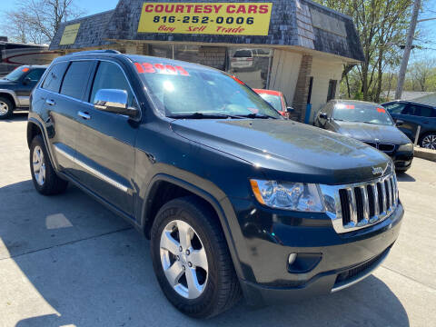 2013 Jeep Grand Cherokee for sale at Courtesy Cars in Independence MO