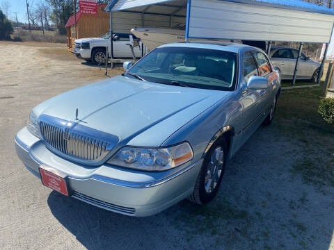 2005 Lincoln Town Car for sale at Southtown Auto Sales in Whiteville NC