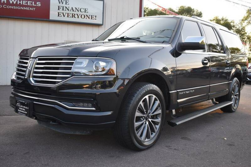 2015 Lincoln Navigator L for sale at Dealswithwheels in Inver Grove Heights MN