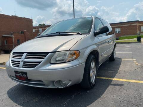 2007 Dodge Grand Caravan for sale at Community Auto Sales & Service in Fayette MO