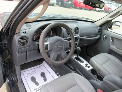 2006 Jeep Liberty for sale at Aztec Motors in Des Moines IA