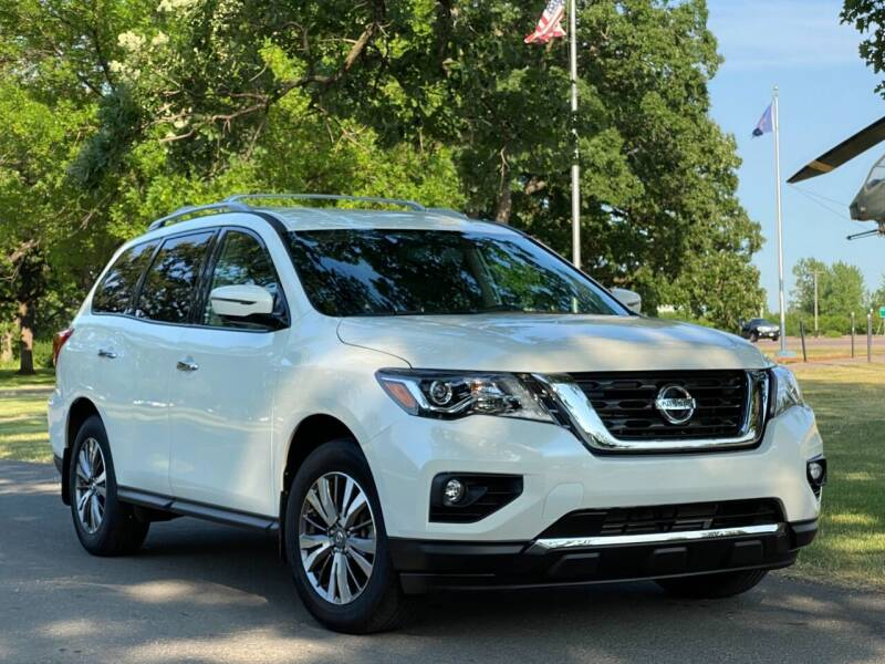 2018 Nissan Pathfinder for sale in Shakopee, MN