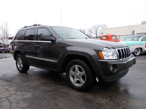 2005 Jeep Grand Cherokee for sale at C & C AUTO SALES in Riverside NJ