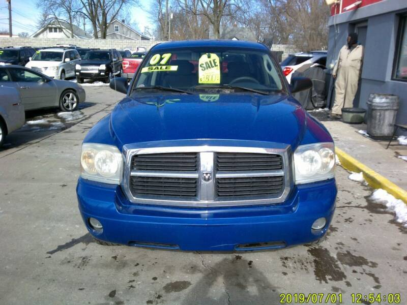 2007 Dodge Dakota for sale at Carmen's Auto Sales in Hazel Park MI
