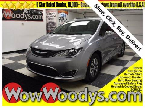 2020 Chrysler Pacifica Hybrid for sale at WOODY'S AUTOMOTIVE GROUP in Chillicothe MO