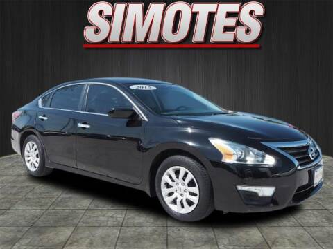 2015 Nissan Altima for sale at SIMOTES MOTORS in Minooka IL