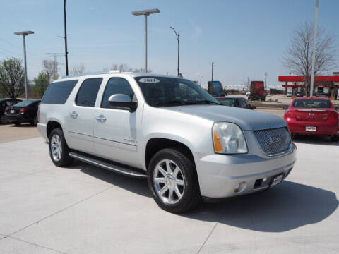 2011 GMC Yukon XL for sale at SIMOTES MOTORS in Minooka IL