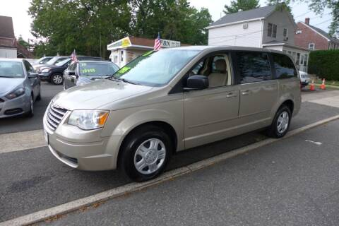 2009 Chrysler Town and Country for sale at FBN Auto Sales & Service in Highland Park NJ