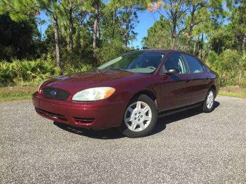 2007 Ford Taurus for sale at VICTORY LANE AUTO SALES in Port Richey FL