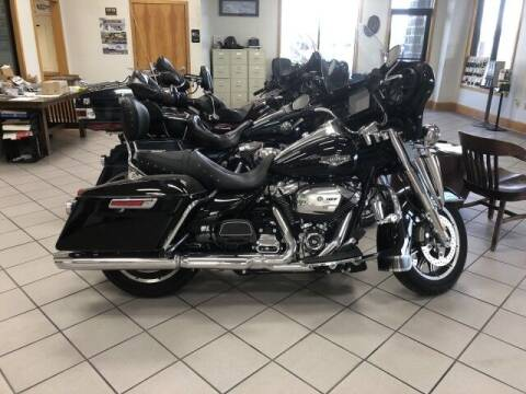 2019 Harley Davidson Road King for sale at Rabeaux's Auto Sales in Lafayette LA