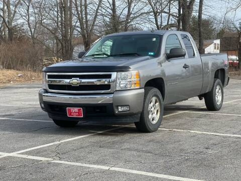 2007 Chevrolet Silverado 1500 for sale at Hillcrest Motors in Derry NH