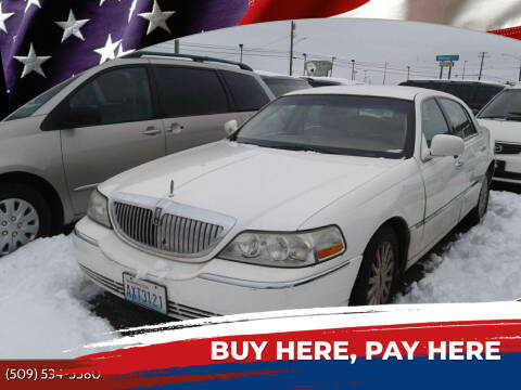 2005 Lincoln Town Car for sale at 2 Way Auto Sales in Spokane Valley WA