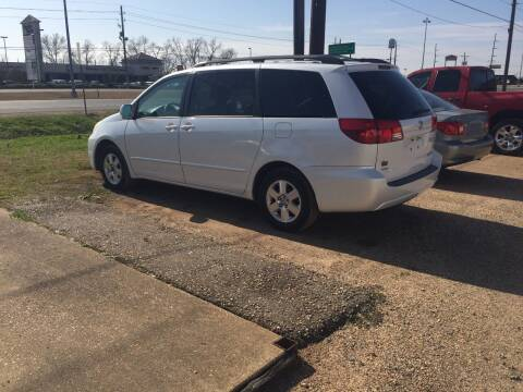 2004 Toyota Sienna for sale at B & B CARS llc in Bossier City LA