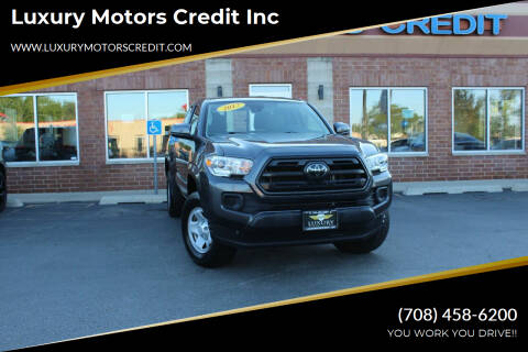 2018 Toyota Tacoma for sale at Luxury Motors Credit Inc in Bridgeview IL