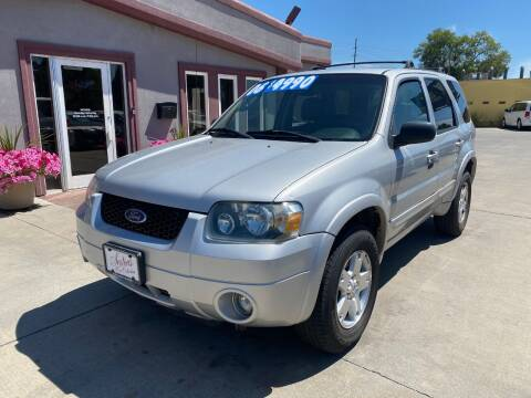 2006 Ford Escape for sale at Sexton's Car Collection Inc in Idaho Falls ID