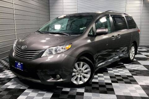 2012 Toyota Sienna for sale at TRUST AUTO in Sykesville MD