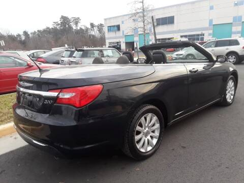 2011 Chrysler 200 Convertible for sale at M & M Auto Brokers in Chantilly VA