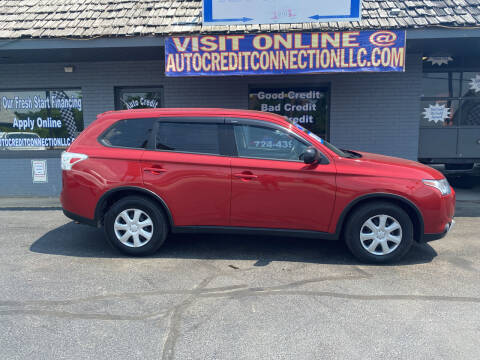 2015 Mitsubishi Outlander for sale at Auto Credit Connection LLC in Uniontown PA