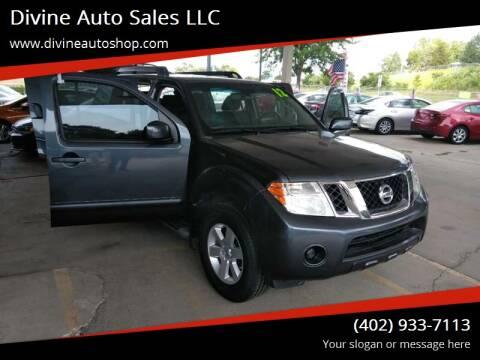 2012 Nissan Pathfinder for sale at Divine Auto Sales LLC in Omaha NE